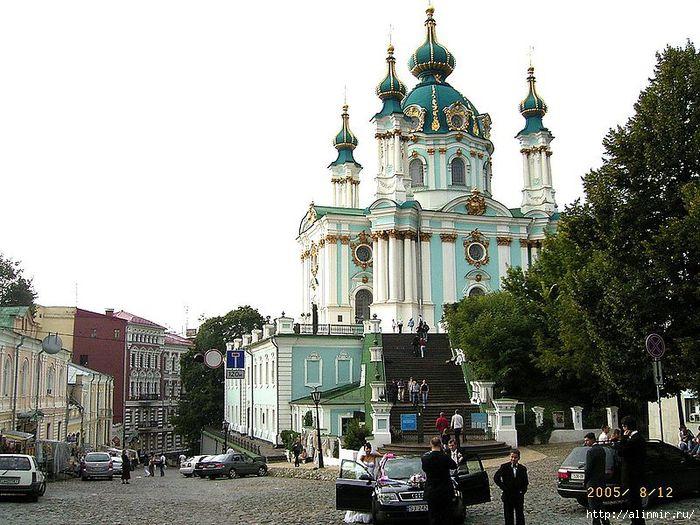 1389529760_kiev_Andreevskaya_cerkov_ (700x525, 246Kb)