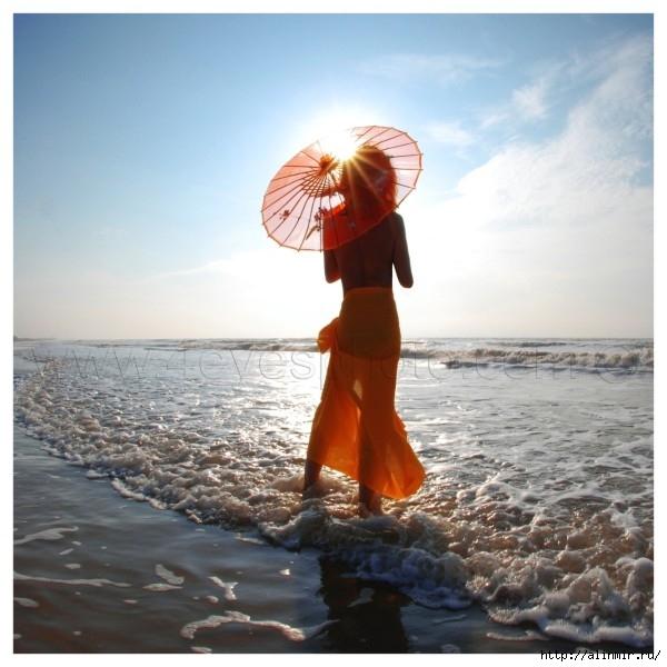 море женщина зонтик (600x600, 184Kb)