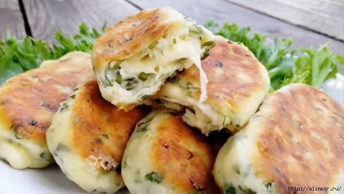 Картофельно-творожные палочки с сыром