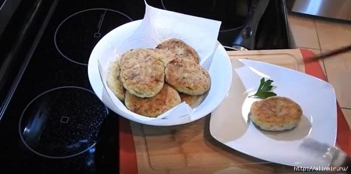 Котлеты из баклажанов: ароматное и очень сытное блюдо